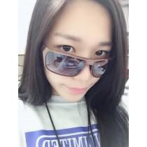 【絕版現貨優惠出清】設計感金屬光防滑質感粗框太陽眼鏡