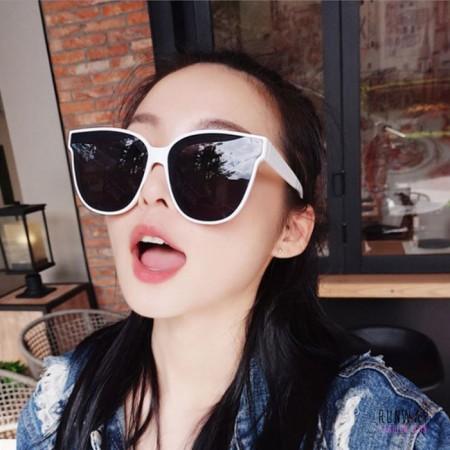 【免運】夏季太陽眼鏡大框防紫外線顯瘦墨鏡  (附贈眼鏡盒) X RUNWAY FASHION ICON