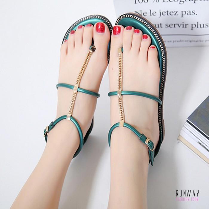 【免運】夏季平底金屬鏈一字扣帶平底跟夾趾休閒百搭涼鞋 (3色) X RUNWAY FASHION ICON