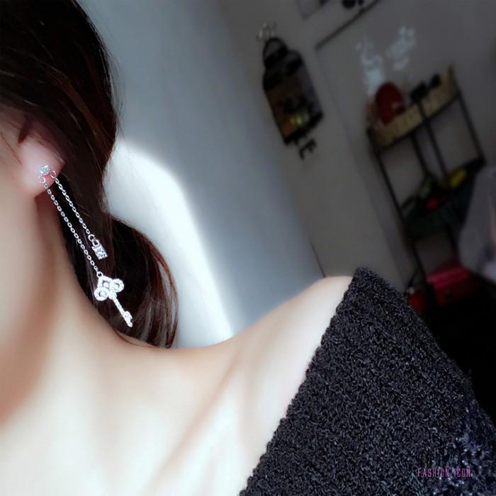 925純銀針韓國不對稱鑰匙垂墜耳環耳針 X RUNWAY FASHION ICON
