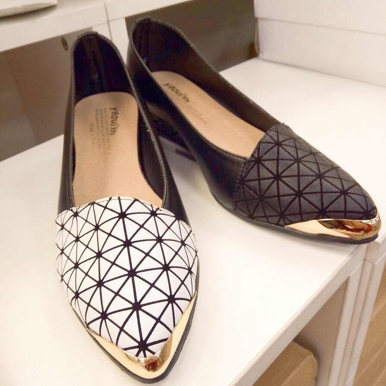 【免運】韓版幾何圖形金屬尖頭微跟坡鞋 (2色) X RUNWAY FASHION ICON