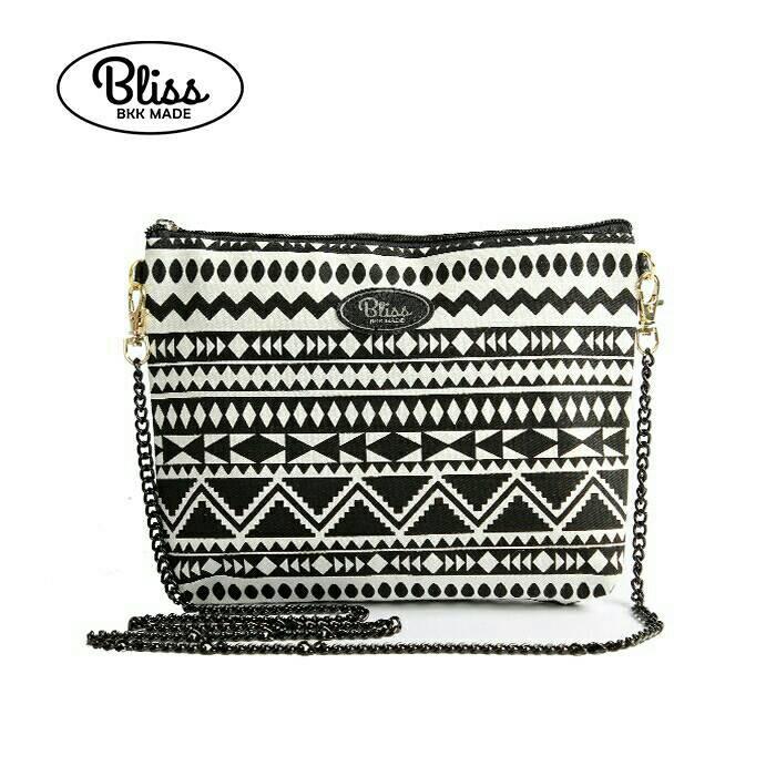【影片實拍】【正版授權】泰國Bliss BKK包 - 黑白條紋A 手拿包側背包 (4款背帶可選) X RUNWAY FASHION ICON