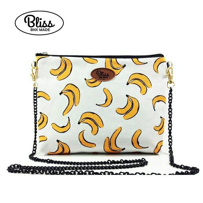 【影片實拍】【正版授權】泰國Bliss BKK包 - 可愛香蕉 手拿包側背包 (4款背帶可選) X RUNWAY FASHION ICON