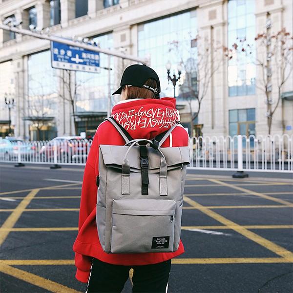 韓版休閒帥氣中性男士牛津布USB充電雙肩後背包(2色) X RUNWAY FASHION ICON