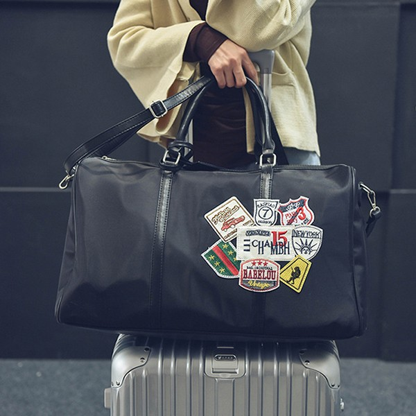 【免運】韓版大容量潮流徽章尼龍大包旅行包手提包單肩包斜背包(2色/大款) X RUNWAY FASHION ICON