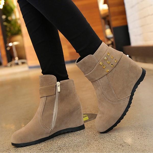 【免運】韓版內增高長腿單色鉚釘馬丁靴圓頭短靴(2色) X RUNWAY FASHION ICON