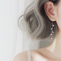 【現貨】韓版冷豔小清新風銀色柳葉垂墜細長耳環 X RUNWAY FASHION ICON