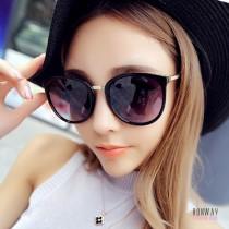 歐美個性韓版貓眼百搭時尚墨鏡太陽眼鏡(附贈眼鏡盒) X RUNWAY FASHION ICON
