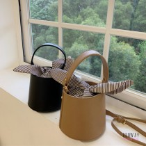 【免運】韓版迷你水桶皮質感手提側背綁帶氣質條紋包手提包水桶包2色 X RUNWAY FASHION ICON