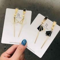 【現貨】【可改夾】幾何個性垂吊修飾臉型鋼針耳環 X RUNWAY FASHION ICON