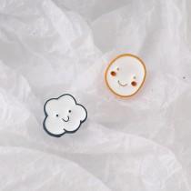 可愛俏皮笑臉雲朵耳環  ♥  甜美小清新不對稱耳針耳環 X RUNWAY FASHION ICON