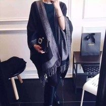 【免運】歐風時尚百搭雙面黑灰經典配色披肩保暖圍巾 X RUNWAY FASHION ICON