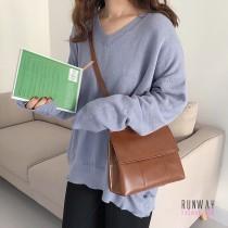 【免運】學院風文青質感簡約休閒掀蓋包鞋背包側背包(3色) X RUNWAY FASHION ICON