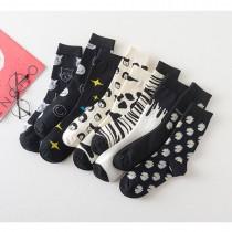 【批發區】俏皮逗趣經典黑白斑馬紋人頭貓咪卡通圖騰 日系棉襪(3雙)  ♥  棉質中高筒襪(14色) X RUNWAY FASHION ICON